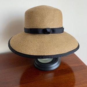 Eric Javits UPF 50+ Hat
